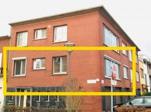 Gezellig hoekappartement in rustige buurt dicht bij park (50m), speeltuin en verschillende scholen. Het appartement is gelegen op de eerste verdieping