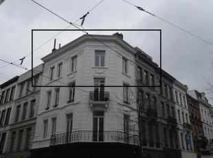 Gelegen in de gezellige Sint-Andrieswijk tussen het historisch centrum en het Zuid is dit een toplocatie in hartje Antwerpen, vlakbij tal van antiekwi