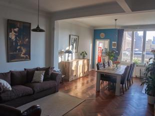Charmant en instapklaar appartement beschikbaar op een toplocatie in het historische centrum. Dit ruim 2-slaapkamerappartement van ca. 95 m² ligt op e