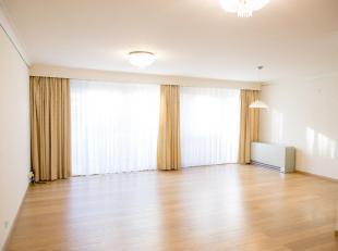 Instapklaar appartement van 89m² op een toplocatie in het centrum van Genk, naast shopping 1 en op wandelafstand van het molenvijverpark.<br /> Het ap