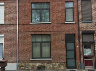 Recent gerenoveerde rijwoning op wandelafstand van het centrum van Sint-Truiden.<br /> Op het gelijkvloers bevindt zich een living + open keuken, badk