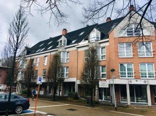 Zeer mooie instapklaar duplex dak-appartement op de Markt van Tessenderlo. Het appartement wordt particulier verkocht (immokantoren gelieve zich te on