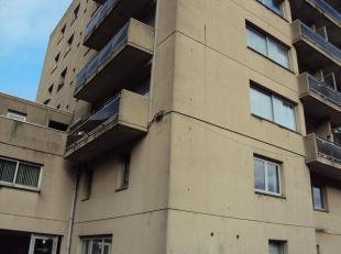 Gezellig appartement rustig gelegen aan de Dieplaan in centrum van Genk op wandelafstand van winkels en station. Living met twee grote ramen en met te