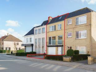 Ruime instapklare woning met garage en zongerichte tuin.   Deze perfect onderhouden en praktische bel-etage (200 m2) is de ideale gezinswoning. De gez